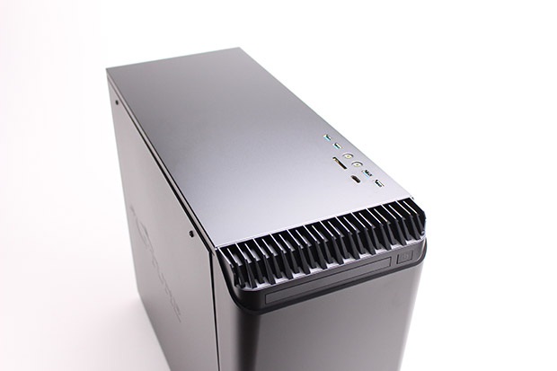 NEXTGEAR i680PA1-SMMの天板