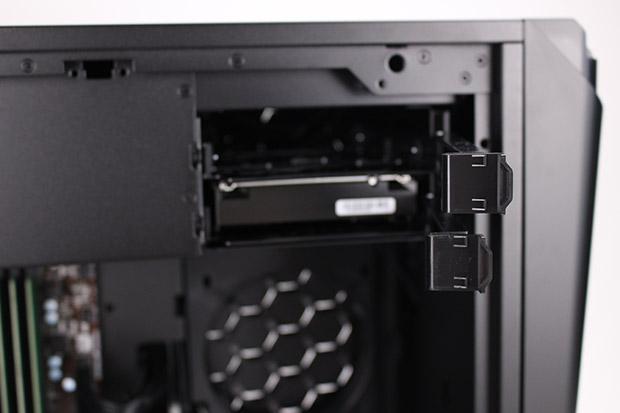 NEXTGEAR i680PA1-SMMのHDDベイ