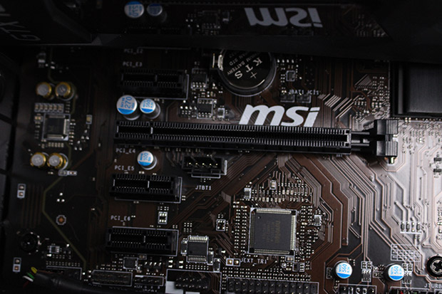NEXTGEAR i680PA1-SMMのマザーボード