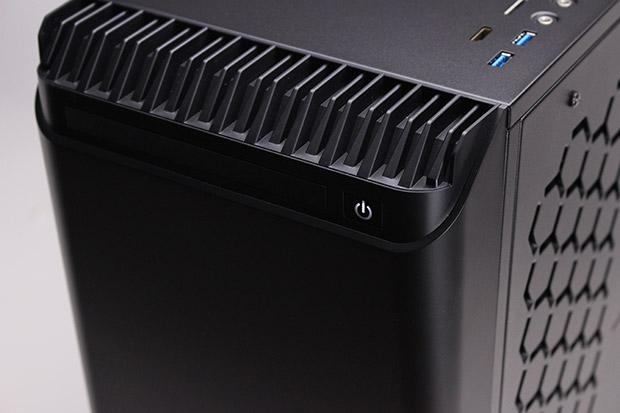 NEXTGEAR i680PA1-SMMの電源ボタン