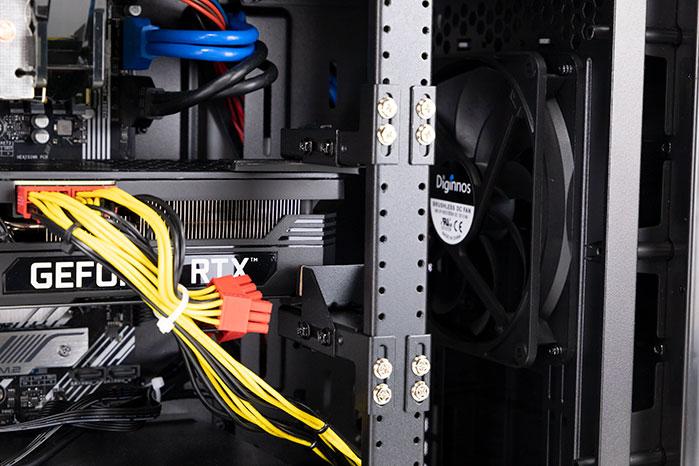 ガレリア XA7C-R37のリジッドカードサポート